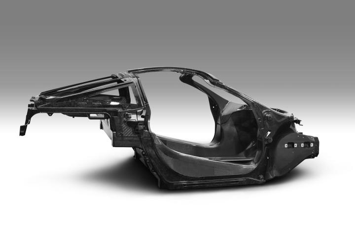 040117_mclaren-automotive-announces-second-generation-super-series_monocage-ii-image_final