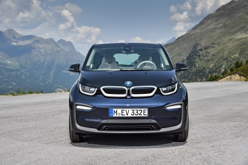 P90273463_highRes_the-new-bmw-i3-08-20