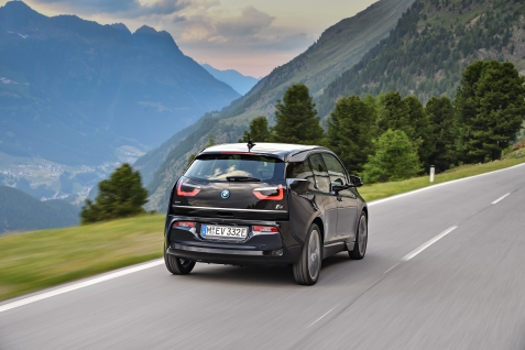 P90273481_highRes_the-new-bmw-i3-08-20
