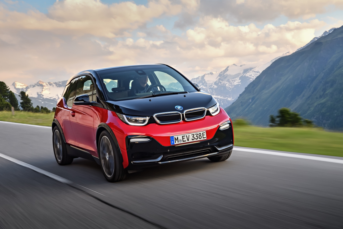 2018 BMW i3 Expands Range With New Hot Hatch