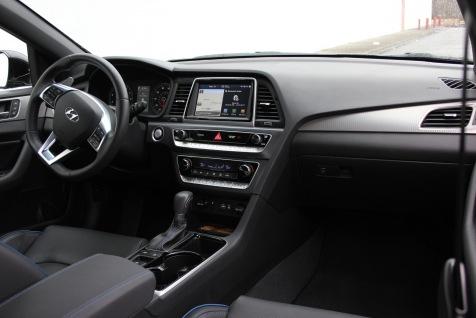 2018 Hyundai Sonata Turbo Review (25)